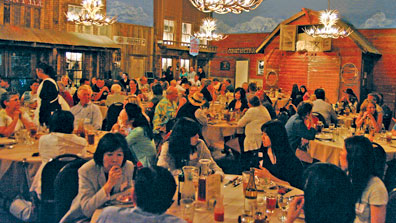 full-house-groups-Big-e-steakhouse-&-saloon-grand-canyon-arizona